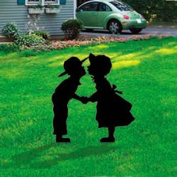Amish Kissing Kids